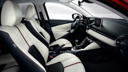 Mazda2-2015 interieur wit