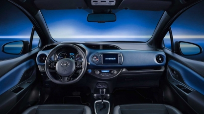 Toyota yaris van dorst for Interieur yaris 2017