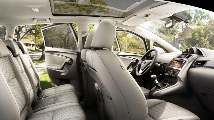 toyota verso 2014 interieur overview