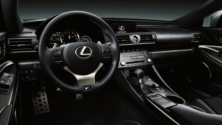 Lexus RC-F 2015 dashboard interieur zwart